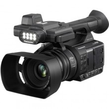 Videocámara Full HD con pantalla táctil LCD y luz LED incorporada Panasonic AG-AC30
